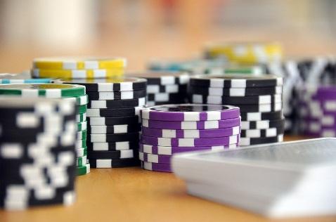Czy kasyna zabronione w Polsce działają nielegalnie?